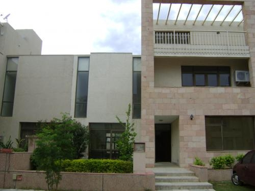Luxurious service apartment in nirvana country,gurgaon