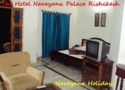 deluxe hotels in risikesh