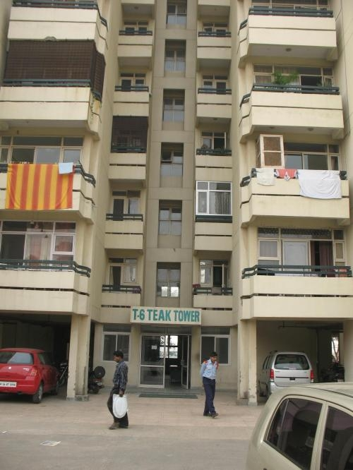 1 bhk on rent in sushant estate - gurgaon - 9990668999