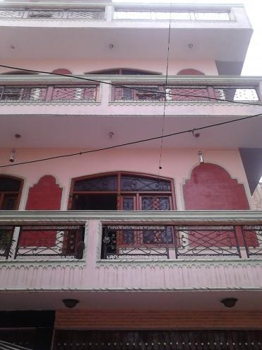 Very cheap rate pg rooms available in west at nasir pur, dwarka