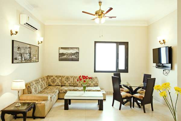 3 bhk modern service apartments for rent in connaught place