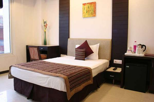 Pictures of Summer offer in safdurjung hotel delhi@2500 per day  for each call 9717991558 4