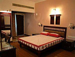 Pictures of Summer offer in safdurjung hotel delhi@2500 per day  for each call 9717991558 2