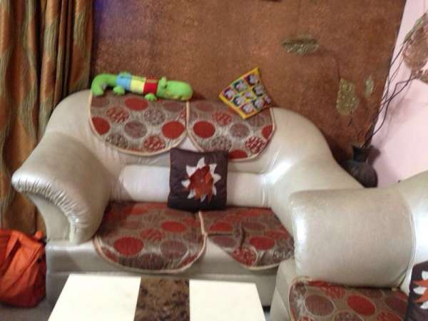 7 seater couch luxury sofa (3+2+2) - new condition