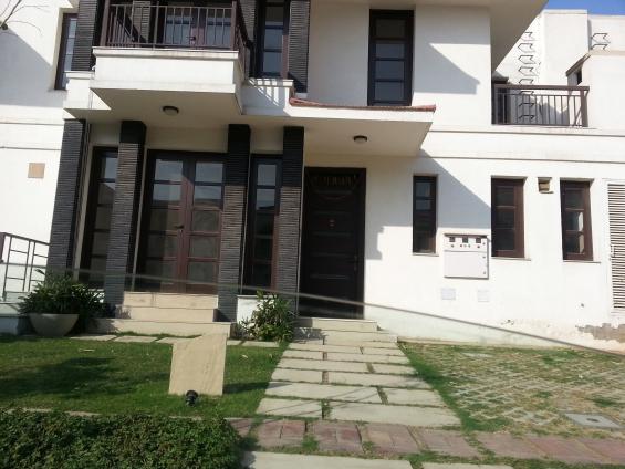 Ready to move vipul tatvam villas 287sq.yd for resale @5 cr. all inclusive 9999980895