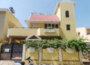 SEMI FURNISHED FLOOR OF A VILLA FOR RENT IN SULTANPALAYA
