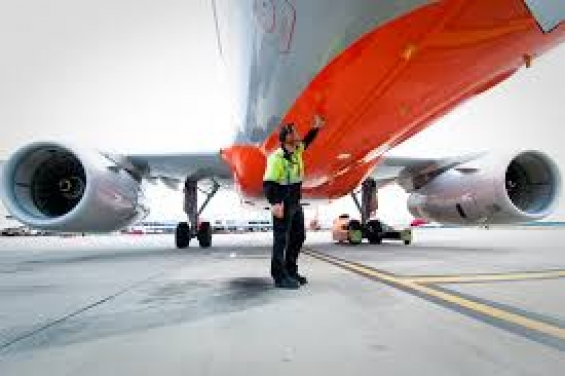 Ground staff jobs at airport for male and female, call us at 011-4811-4811