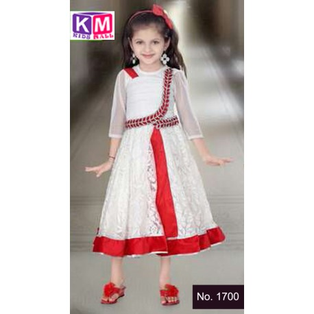 Kids traditional dresses and t-shirts are found in kinds mall