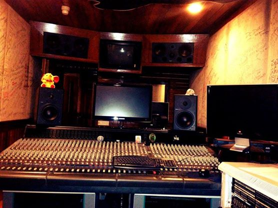 Joshua studio equipments
