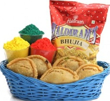 Delicious mithai hampers for holi at reasonable price!!