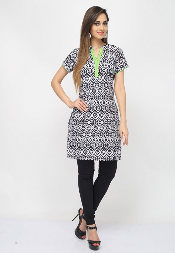 Look trendy in ethnic wear wearing this grey color cotton designer kurti which showcases chic paisley and floral print with an incredibly modish cut and design.