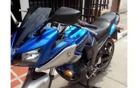Yamaha r 15 white with blue good running condition well maintained