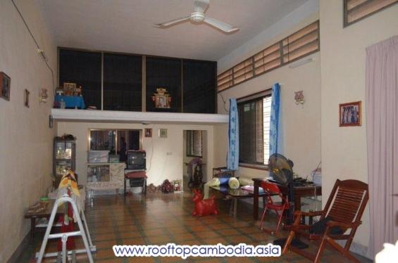 6 bedrooms house for rent in daun penh