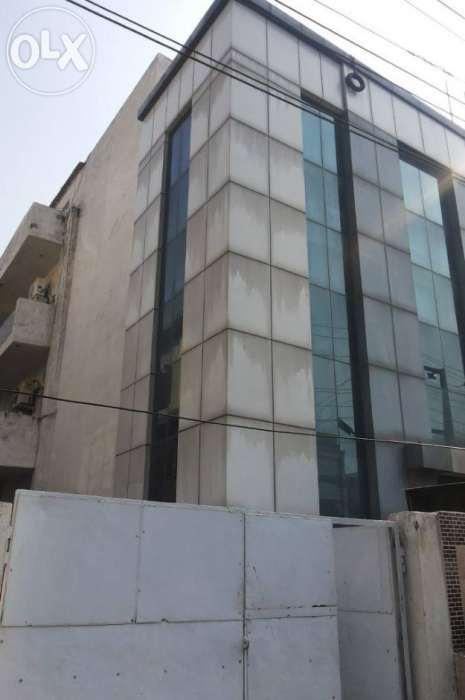 250 meter building for sale in sector 63 noida 9643848730
