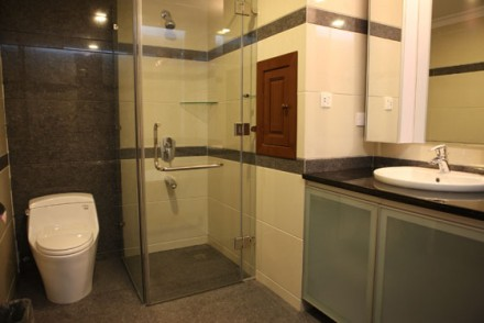 Short stay budget service apartments near safdurjung enclave rs.2500 for single occupancy