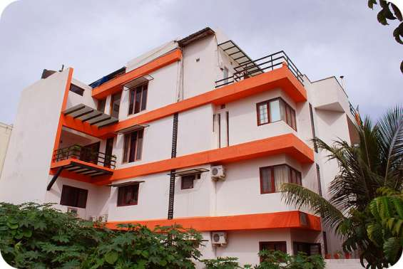 Fully furnished 1rk flat in koramangala. contact no-7204078953