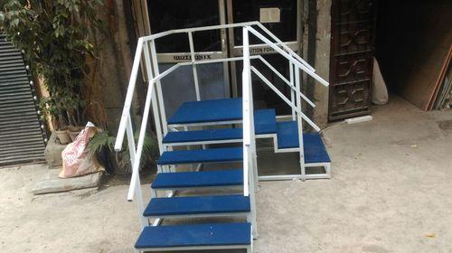 Staircase corner metallic model