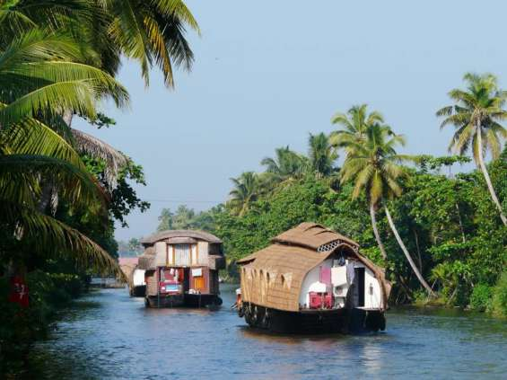 Indiatravelpackage.in offers kerala tour package at rs 8400 for 03 nights / 04 days.