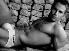 Gay escort hot body 2 body massage in delhi cal  prince