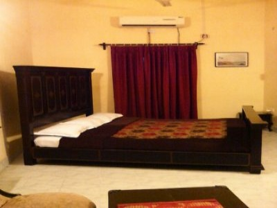 Book a room at itachuna rajbari hotel hooghly