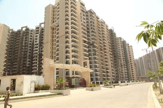 Gaur city 11th avenue: 2/3/4 bhk apartment by gaursons group| noida