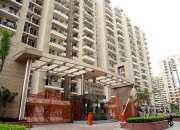Gaur City 1st Avenue: 2/3/4 BHK Apartment by Gaursons Group in Noida