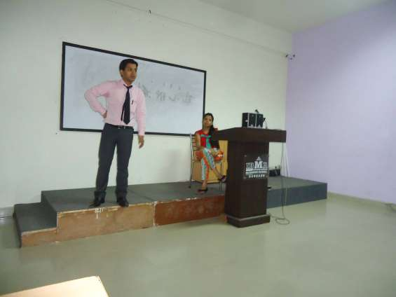Motivational speaker in noida/ motivational trainer in noida/keynote speaker in noida