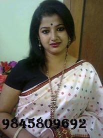 Independent mallu housewife sunita looking for casual fun in bangalore