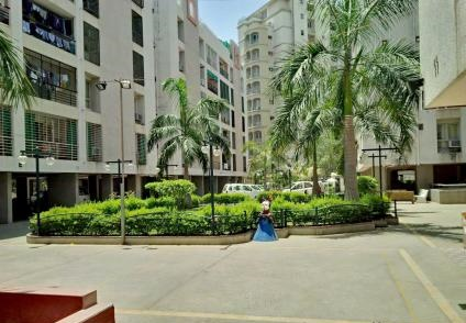 Place of heaven in gulmohar park apartment at affordable rates