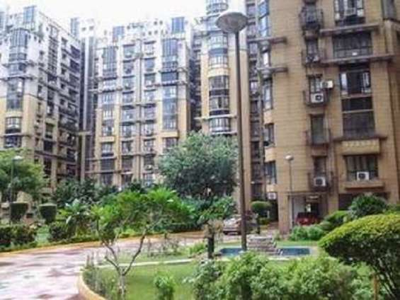 Pictures of 3bhk flat for sale at mani karn, e m bypass for 1.90crore 3