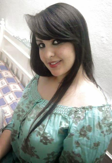 Hot independent female r available in sareeta vihar