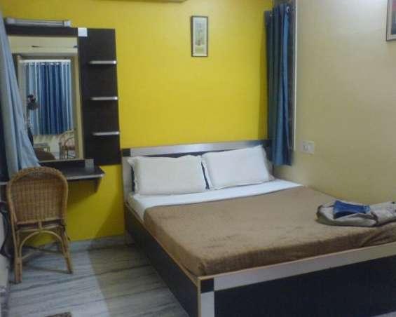 Ladies hostel near by amity university noida | isecurein