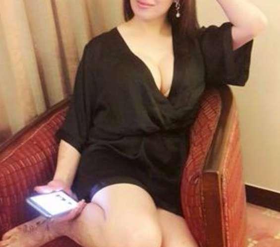 Body to body massage with hi pforile girls call monika
