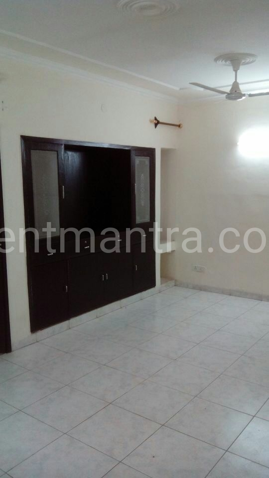 Now its easy to find, house flat at your desired location. get broker free flat, rent house in delhi, delhi-ncr. www.rentmantra.com/flat-house-for-rent-in-noida