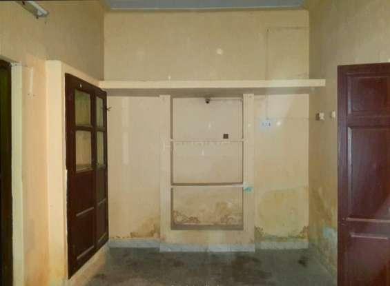 1 bhk 1st floor in kk nagar 7500 for male bacehlors