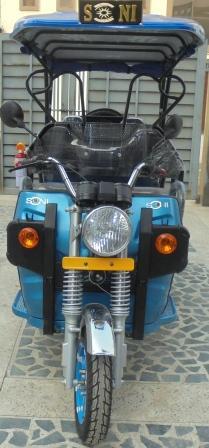 Electric auto cargo e rickshaw