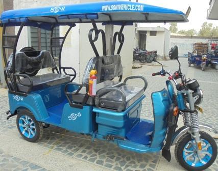 Electric auto rickshaw