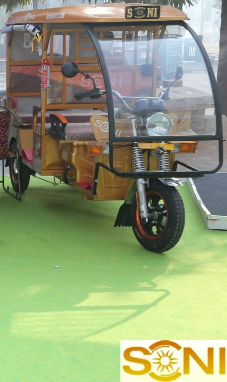 Soni auto electric rickshaw