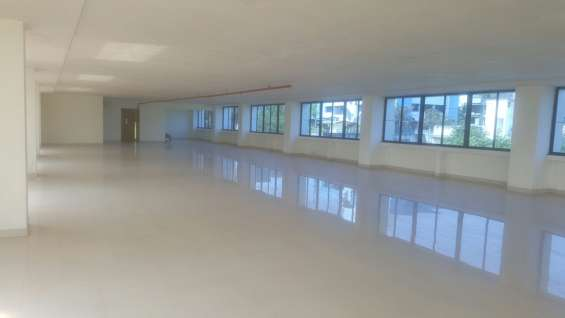 Unfurnished office for rent availble 4500sqft