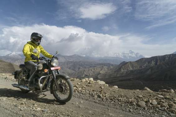 Himalayan motorcycle tours rental services in india - royal india bikes