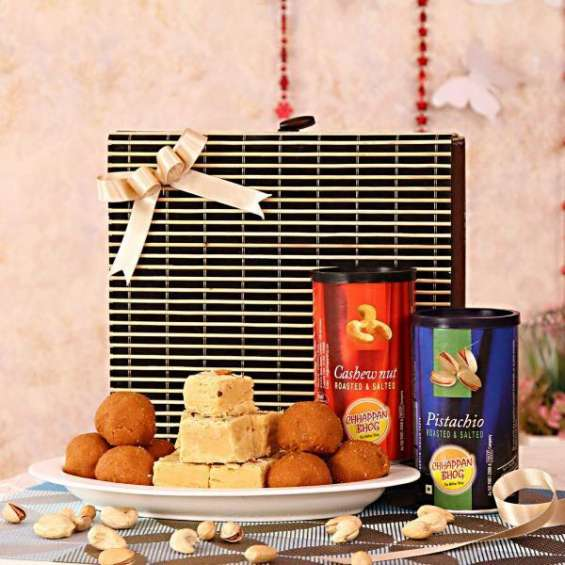 Send karwa chauth gifts and get them delivered by igp