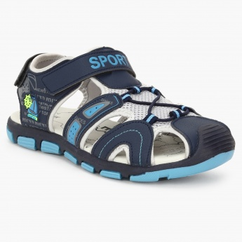 Buy the latest and most trendy footwear at max fashion