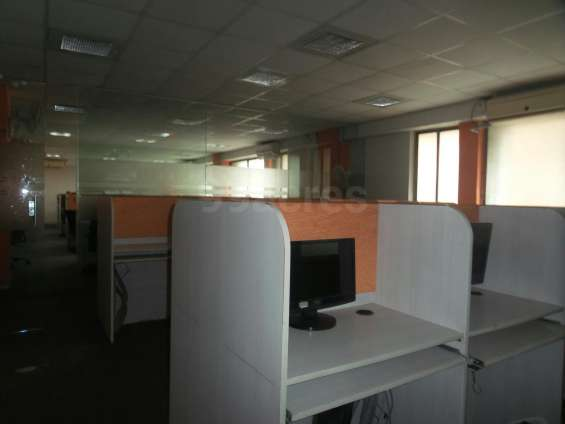05 workstation available for rent only 32500/- rs. in satellite call me