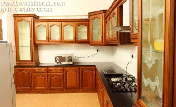 Fully furnished one bhk serviced villa at vyttila ernakulam for daily rental