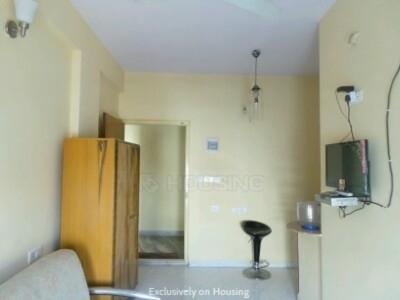 Urnishe studio for rent family