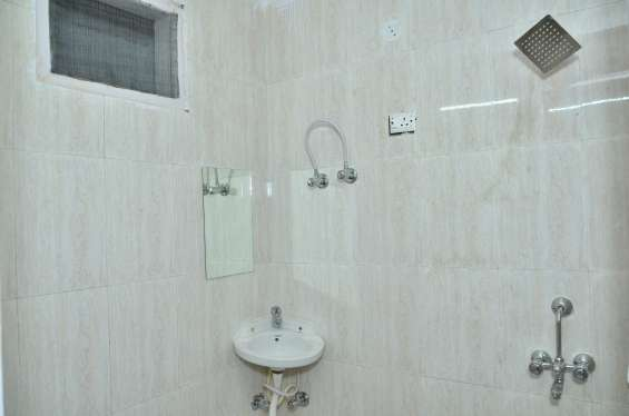 Pictures of Premium shared accommodation in sector 126 noida 7
