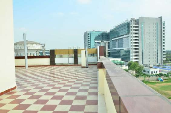 Pictures of Premium shared accommodation in sector 126 noida 3