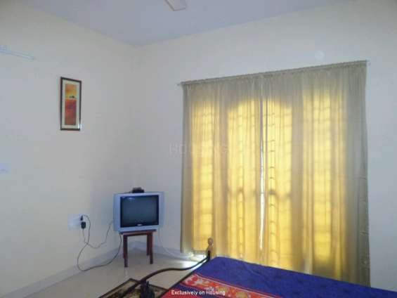 Short/long term furnished flat for rent on horamavu main road ew
