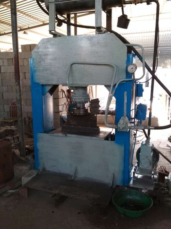New hydraulic press machine