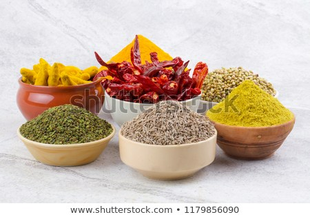 Spice processing machine, spice processing plant